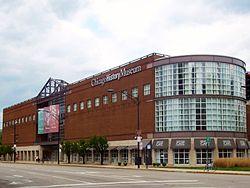 exterior chicago history museum